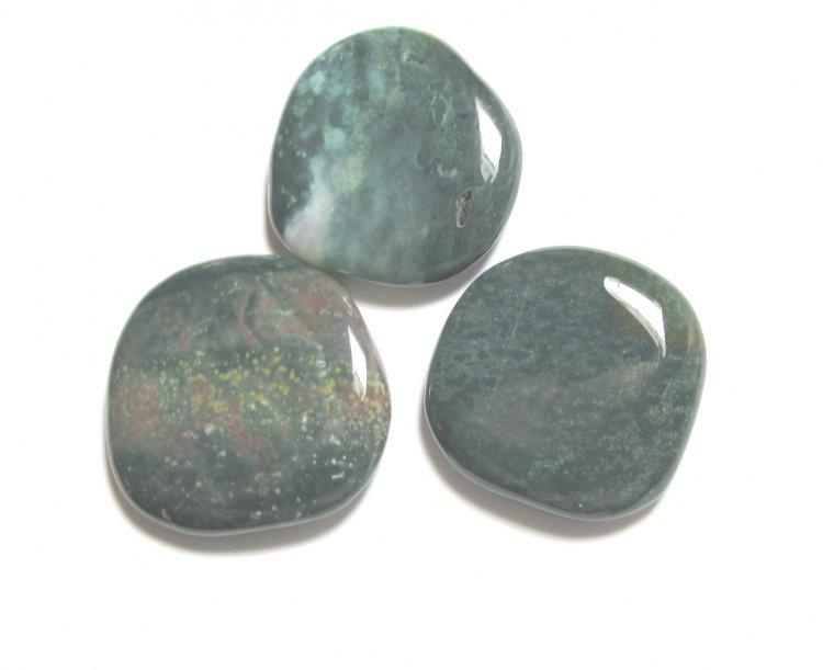 Bloodstone Large Worrystone / Palmstone