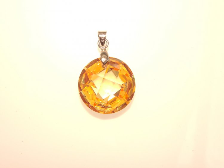 Golden Yellow Facetted Zircon Round Pendant