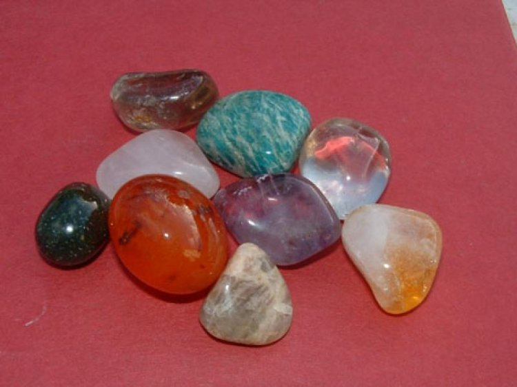 9 Healing Gemstones, Crystals And Minerals