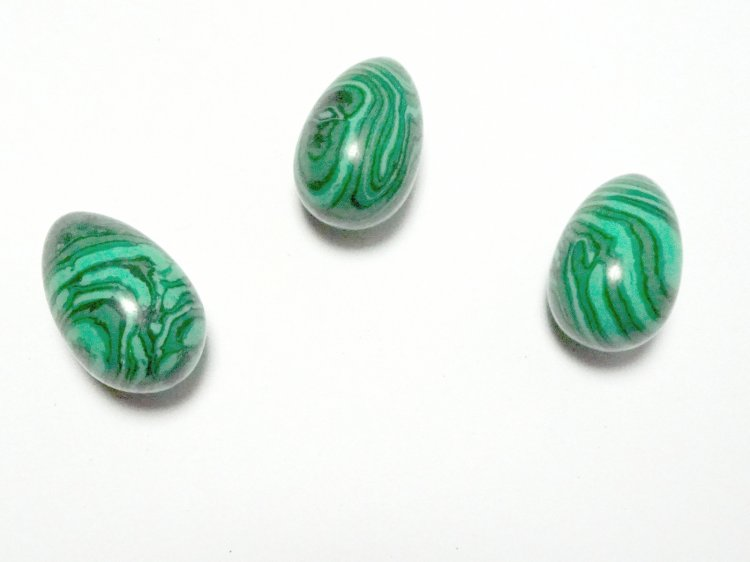 Malachite Carved Egg (synthetic)