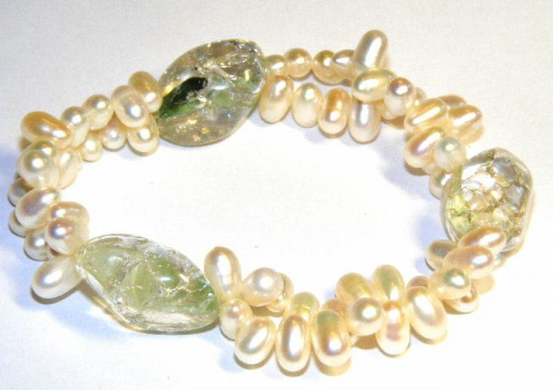 Fresh Water Pearl And Assorted Clear Crackle Quartz Bracelet