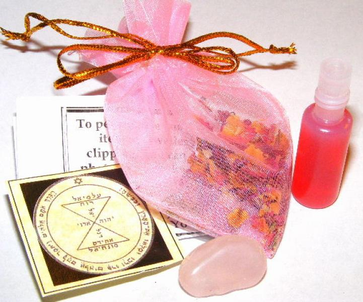 Love And Romance Mojo Bag With Oil, Herbs, Crystal
