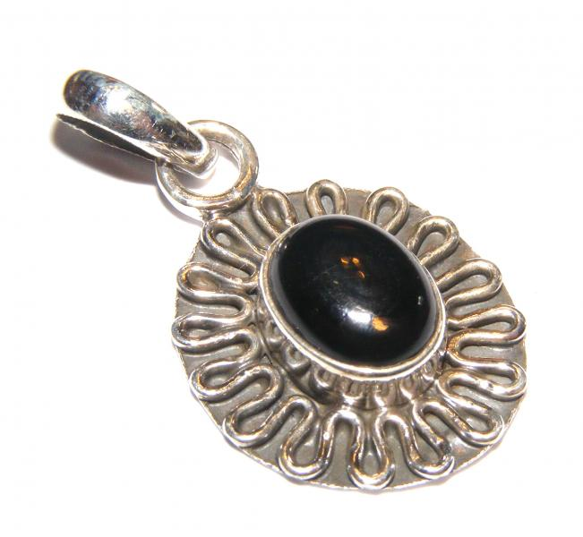 Ornate Frilled Black Agate Sterling Silver Gemstone Pendant