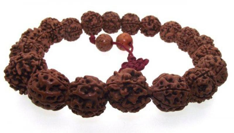 Prayer bead, bodhi seed, 18mm round, 13 inches plus tassel.