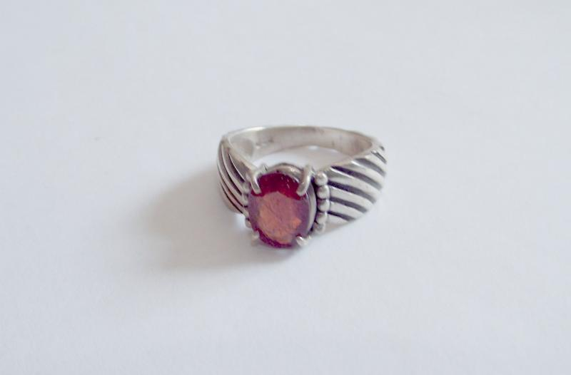 Garnet Fancy Sterling Silver Gemstone Ring - Size S
