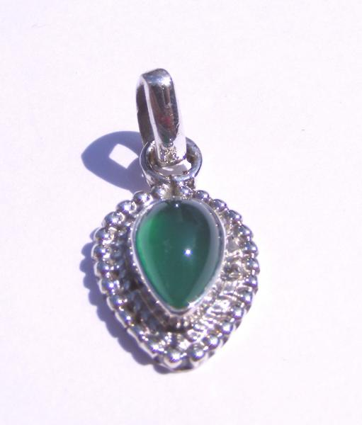 Green Agate Pear Sts Cabachon Pendant
