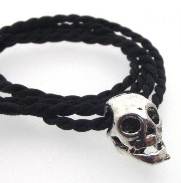 Very Cute Little Gothic Tibetan Silver Skull Pendant