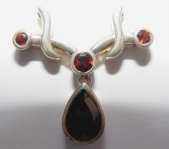 Garnet Facetted Sterling Silver