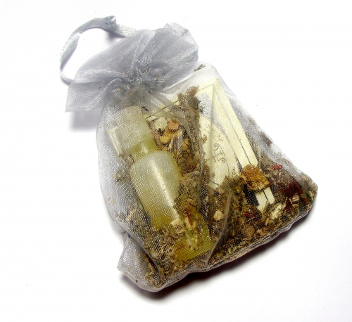 Protection Mojo Bag with Oil, Herbs and Crystal